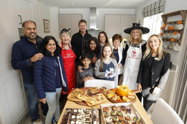 REC_31/10/2019_26_Lead. Local community at Halloween Bake Off event, Kingsley Park