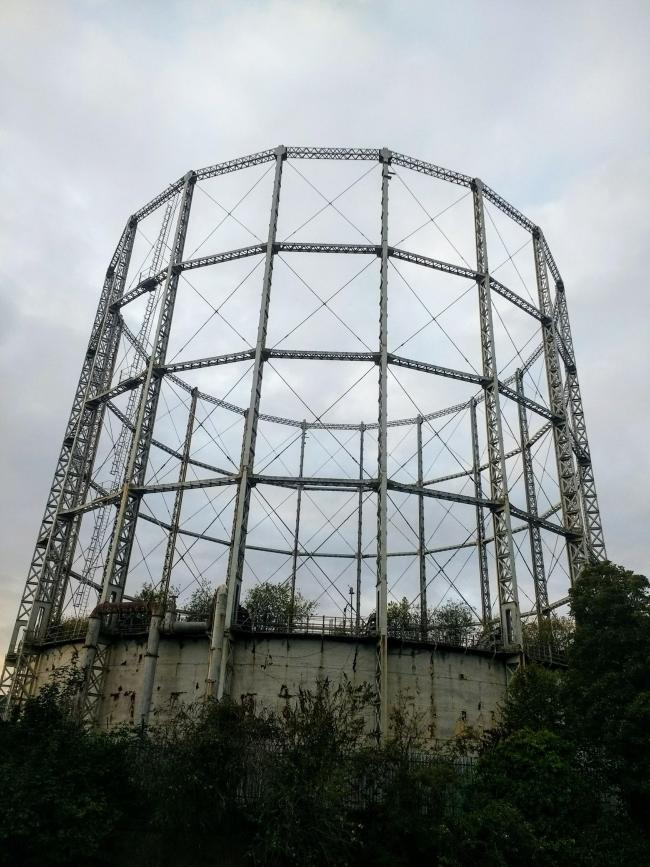 Iconic gas holder in east Reading