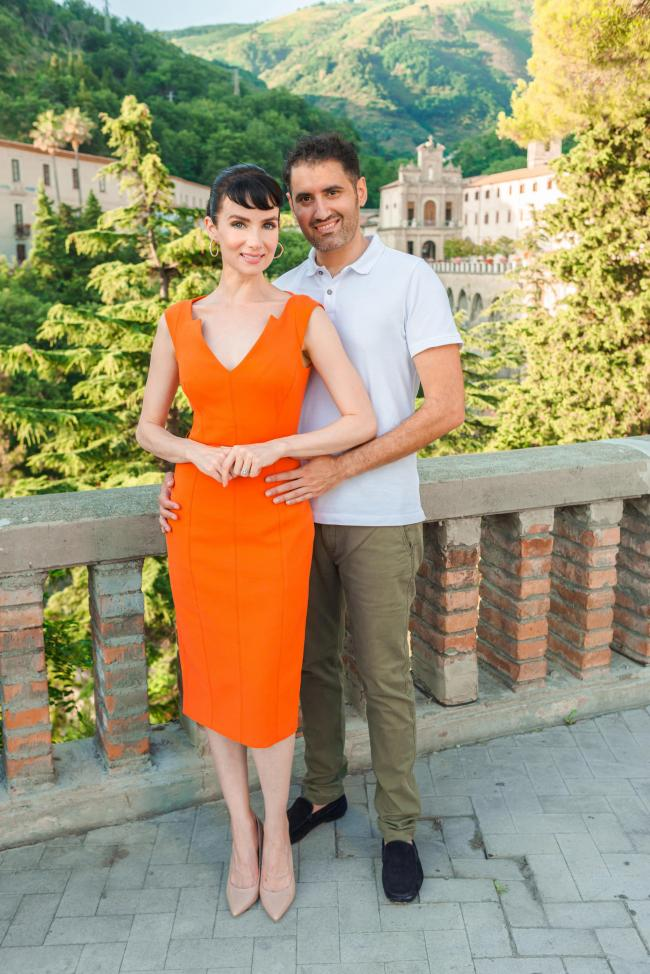 Hollywood actress born and raised in Berkshire celebrates getting engaged