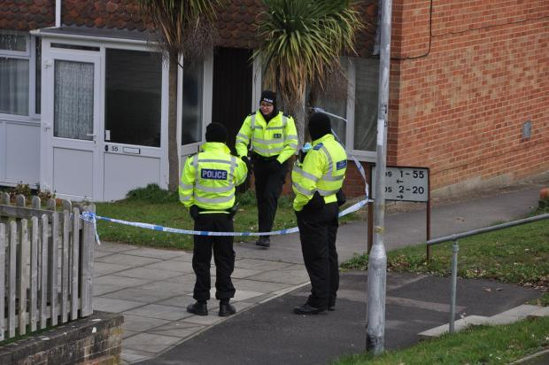 Police cordon in Dulnan Close, Reading - Pic by Paul King