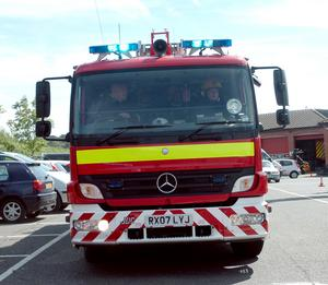 Firefighters called to Tilehurst tower block following leak