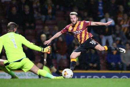 Reading Chronicle: Marc McNulty shoots narrowly wide for City against Fleetwood before later being forced off with a dead leg – Picture: Thomas Gadd
