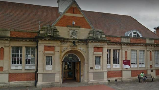 Council launches unpopular consultation to reduce library opening hours