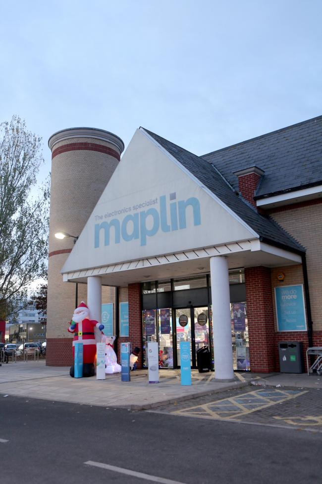 Maplin joins Toys R Us by entering administration, throwing