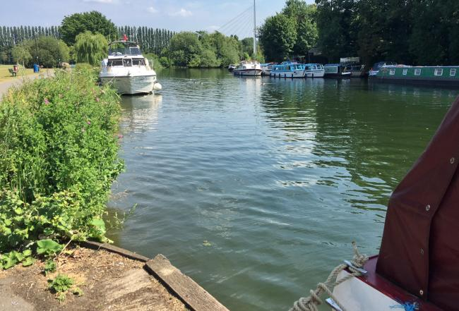 Police identify man pulled from River Thames