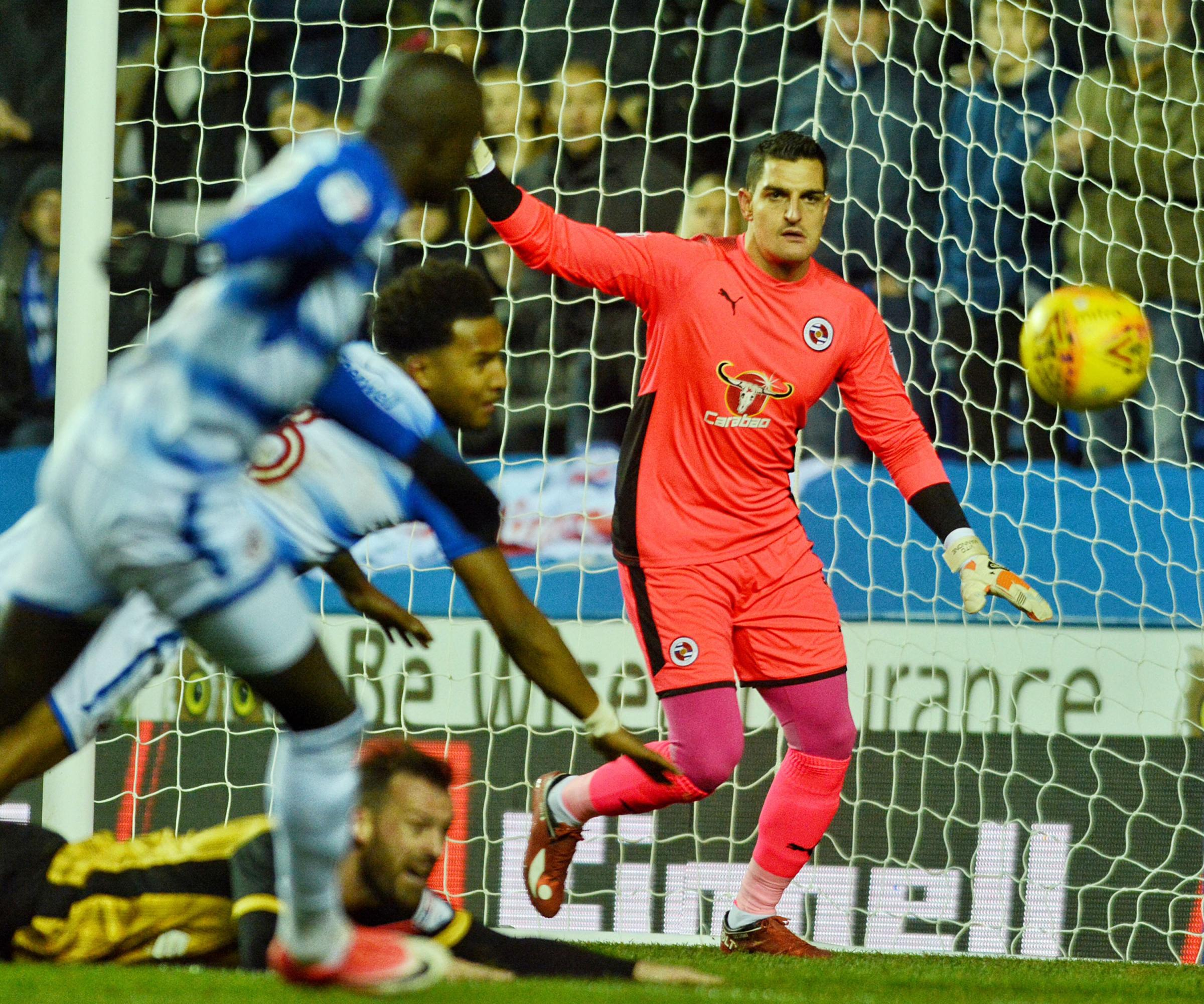 Vito Mannone gets ready to clear the danger during the 0-0 draw with Sheffield Wednesday.