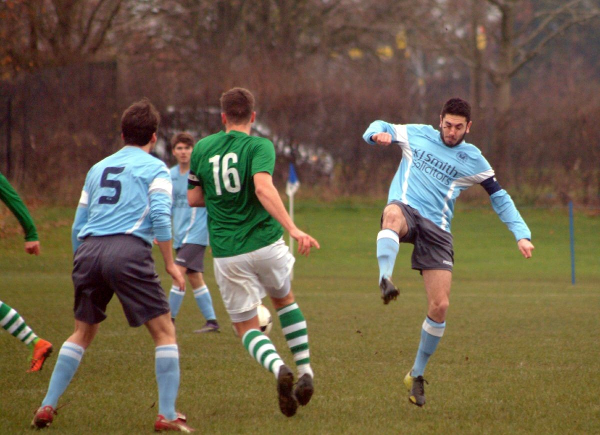 Berks County (green) beat Woodley United Royals 3-2    Picture by Peter Toft