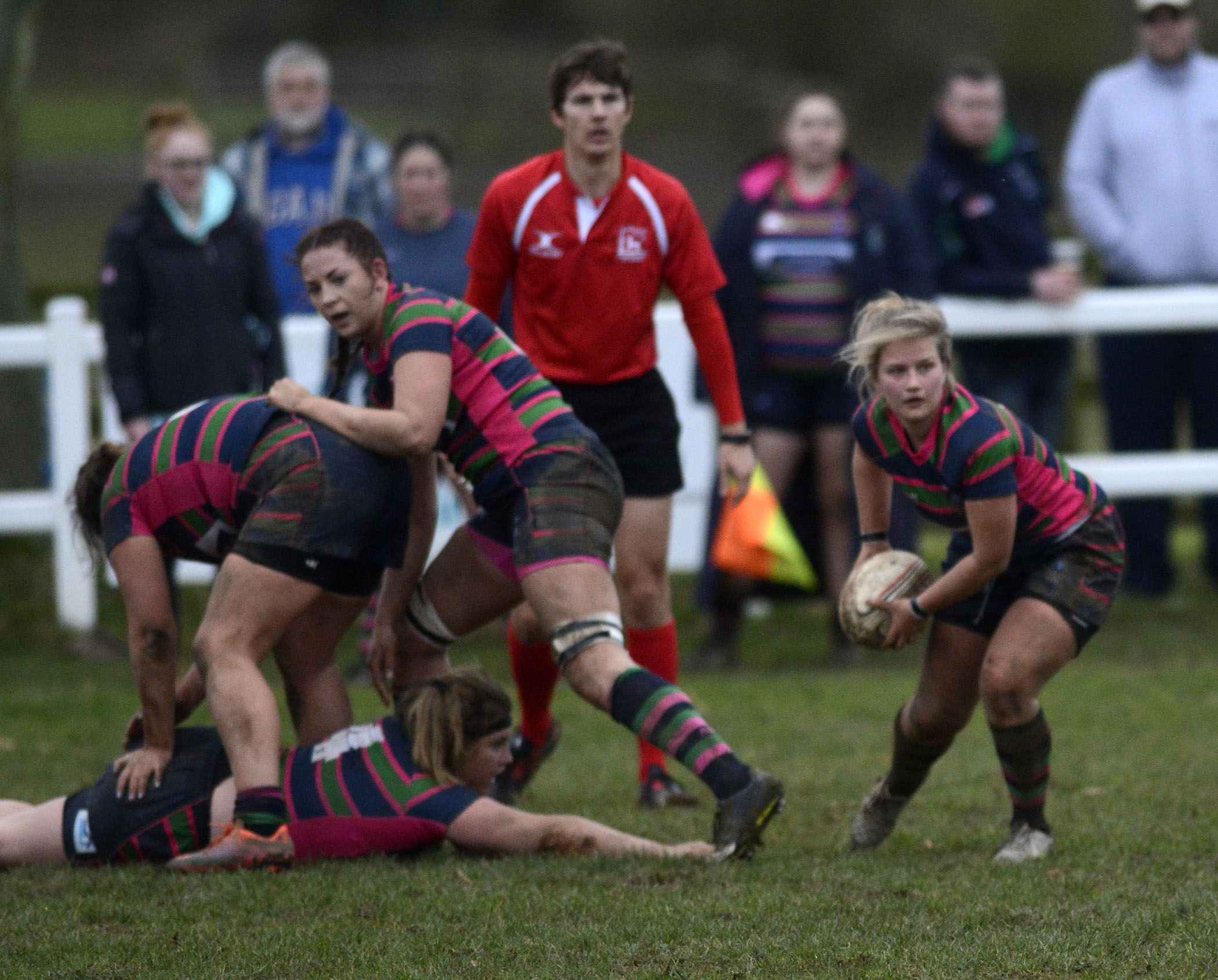 Reading Abbey Nuns (pink) lost 26-12 to table-topping Newbury at Rose Hill on Sunday afternoon Pictures by Paul Johns 180179