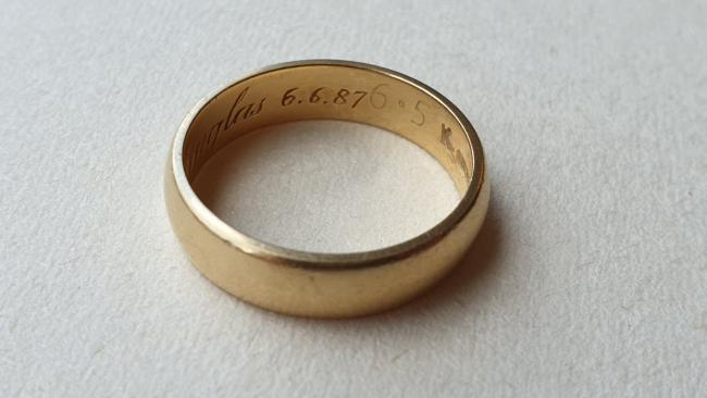 Police hope to reunite owner with stolen wedding ring