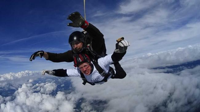 Simon did a skydive to raise money for the charity
